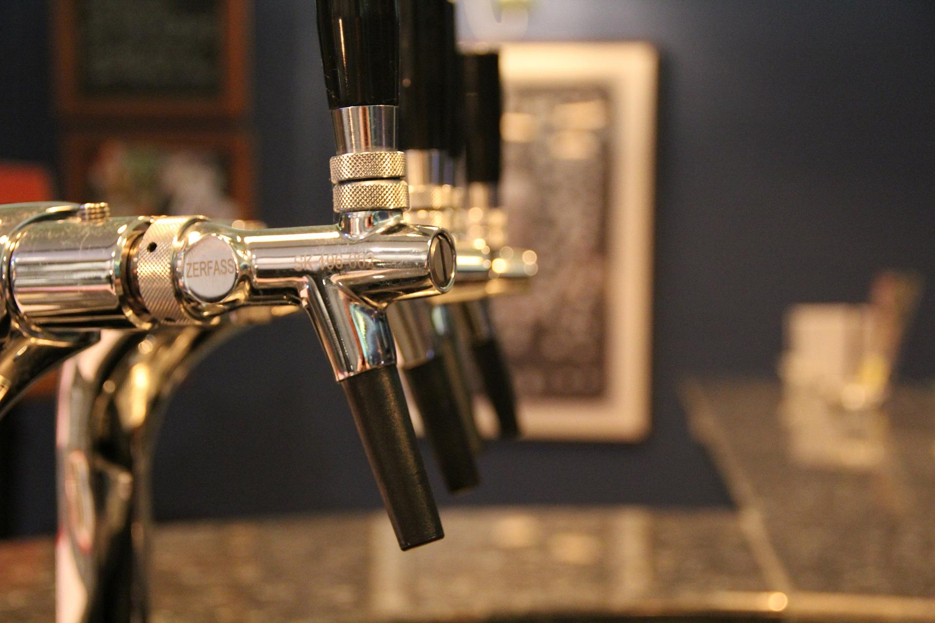 Zes (speciaal-) bieren op tap