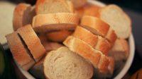 Stokbrood met kruidenboter en aïoli